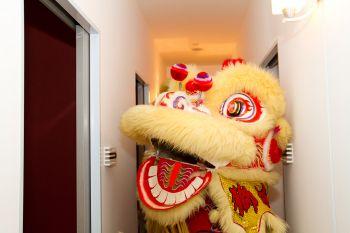 Shakura-Plaza-Singapore-Grand-Opening-lion-dance