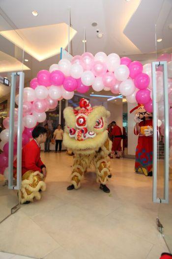 Shakura-Jcube-Jurong-East-Grand-Opening-lion-dance-6