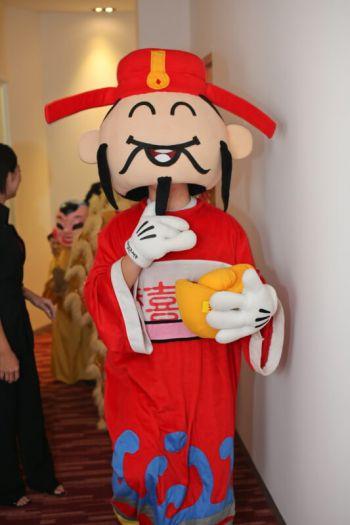 Shakura-Jcube-Jurong-East-Grand-Opening-mascott-2