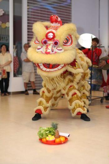 Shakura-Jcube-Jurong-East-Grand-Opening-lion-dance