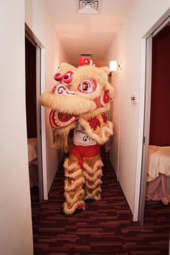 Shakura-Heartland-Kovan-Mall-Grand-Opening-lion-dance-3